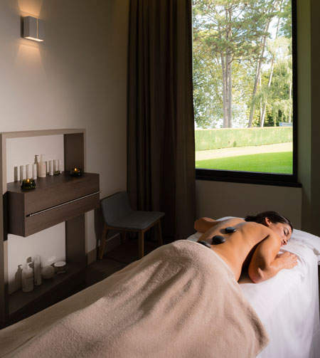 Les Thermes massage room
