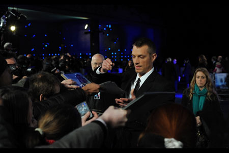 Robocop actor Joel Kinnaman signs autographs