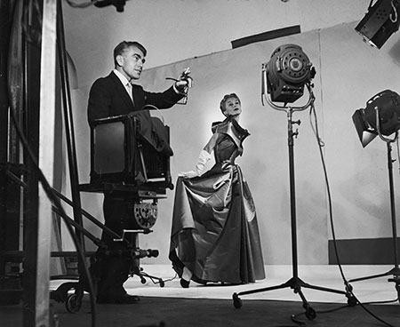 2._Horst_directing_fashion_shoot_with_Lisa_Fonssagrives_1949._Photo_by_Roy_Stevens__Time__Life_Pictures__Getty_Images