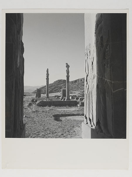 4._View_of_ruins_at_the_palace_of_Persepolis_Persia_1949__Conde_Nast_Horst_Estate