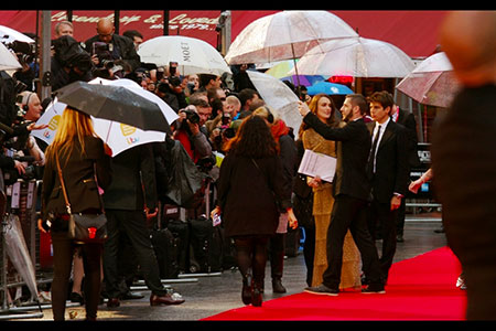 EL-Imitation-Game-premiere-Keira-Knightley-1