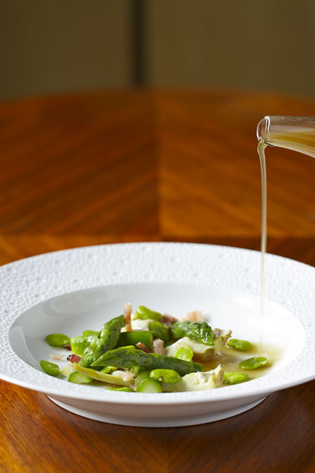 Fava-Bean,-smoked-pancetta,-young-artichokes,-fennel-scented-chicken-broth