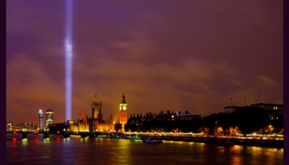 spectra lights out 100 years WW1 Ray of light over the Thames